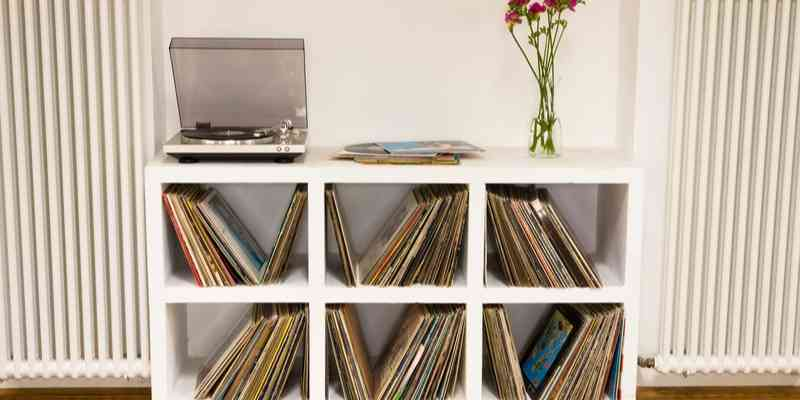 7 Best Record Players and Why Should You Bother to Own One
